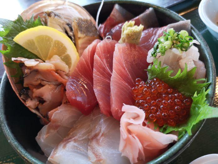 南房総市の海鮮レストラン「網納屋(あみなや)」